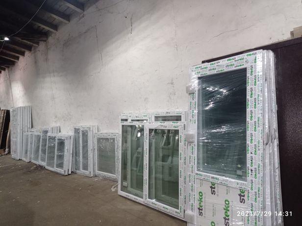 Двері та вікна готові зі складу