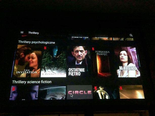 Zestaw kina domowego - Projektor + ekran + akcesoria