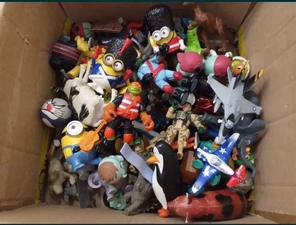 Продам ящик игрушек