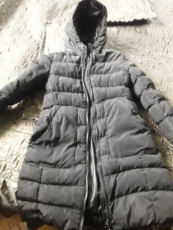Курточка в гарному стані, на вік 6-8років.