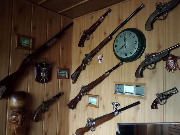 Сувенір,мушкет,пістоль,запальничк,інсталяція під старовину,Німеччина.
