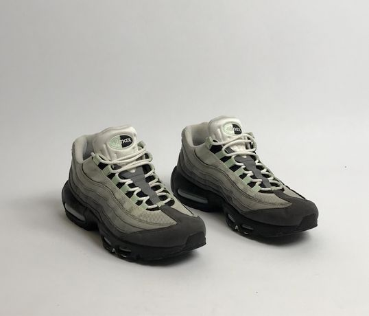 Nike Air Max 95 green размер 43 27.5 см найк кроссовки взуття