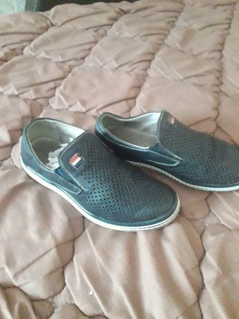 Туфлі для хлопчика.