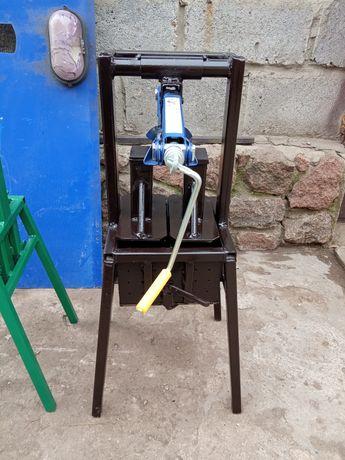 Продам пресс для изготовления топливных брикетов