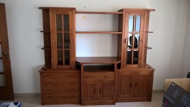 Mobilia de sala em pinho mel