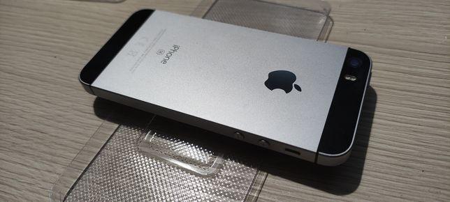 iPhone SE. Uszkodzony, wizualnie stan bdb