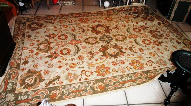 Carpete Arraiolos 288cm x 185cm