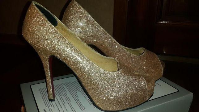 Продам женские туфли босоножки недорого