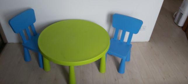 Stolik dziecięcy z dwoma krzesłami Ikea