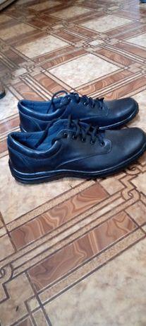 Продам мужские туфли .