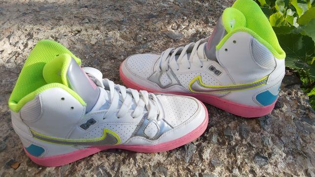 Новые!! Кроссовки найк Nike force 40р.