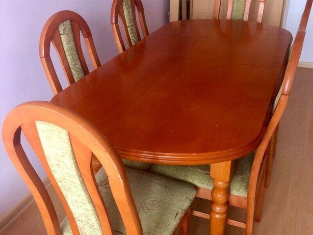 Stół rozsuwany duży.