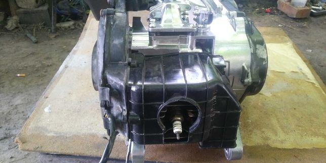 Мотор Suzuki Address.