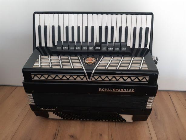 Akordeon Royal Standard 120