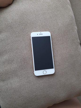 Iphone 8 Stan idealny + 4 obudowy i ładowarka w zestawie