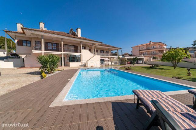 Moradia T5 com piscina e licença de Alojamento local em Valongo
