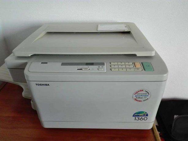 Máquina Fotocopiadora marca TOSHIBA