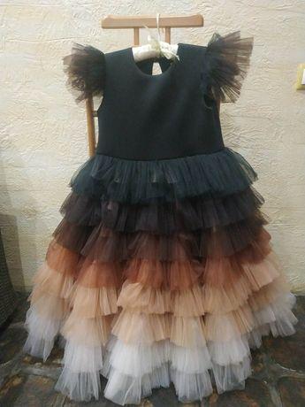 Шикарное платье на девочку 10-12 лет