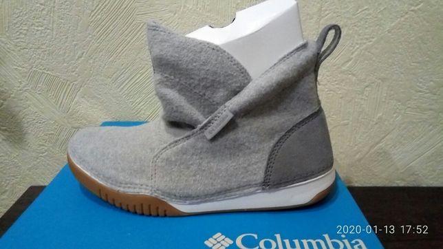 Продам оригинальные войлочные ботинки Коламбия демисезонные.