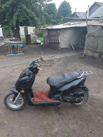 Продам скутер в хорошем состоянии. 49.9 кубиков.