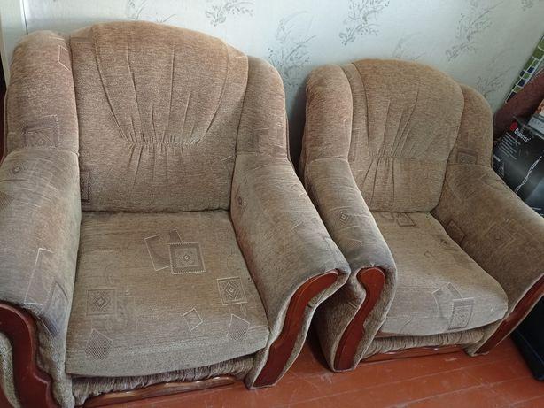 Два кресла кресло