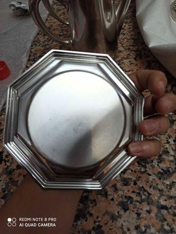 Prato pequeno em casquinha antigo