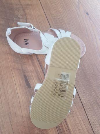 NOWE Buciki H&M,  białe sandały z motylkiem.