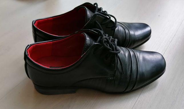pantofle, buty komunijne  37  mokasyny założone kilka razy