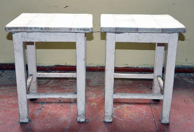 drewniany taboret krzesło