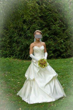 Продается шикарное свадебное кремовое платье