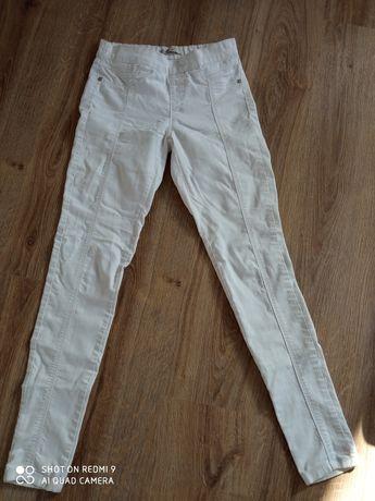 Białe spodnie rozmiar 34