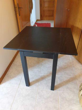 Mesa de centro e mesa de cozinha