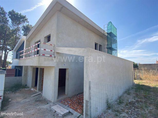 Moradia T4 construção nova na Lagoa de Albufeira
