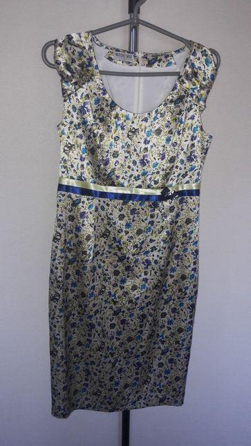 Нарядное платье М размер (38)