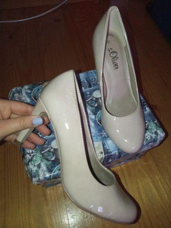 Продам шкіряні туфлі, лакові мешти, взуття