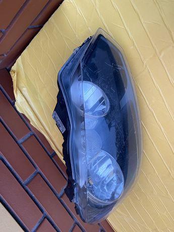 Lampa prawa golf VI 6 prawa uszkodzona