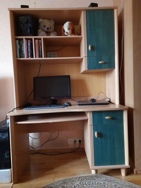 Письменный стол с надставкой Малгося