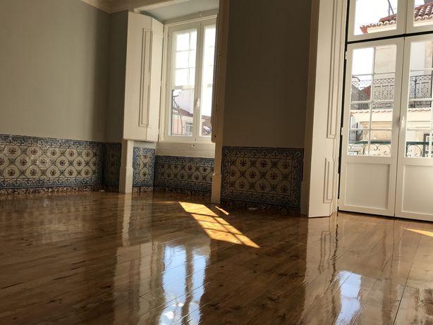 Arrenda-se Apartamento T1+1  |  Misericórdia - Chiado
