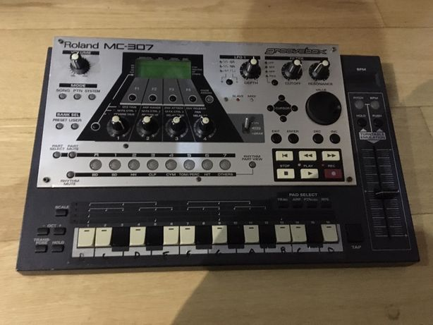 Roland mc 307
