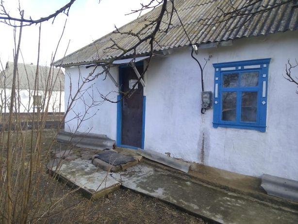 Продам дом в с. Городище, 14 км. от Белой Церкви.