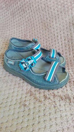 Sandalki/kapcie befado rozm 28