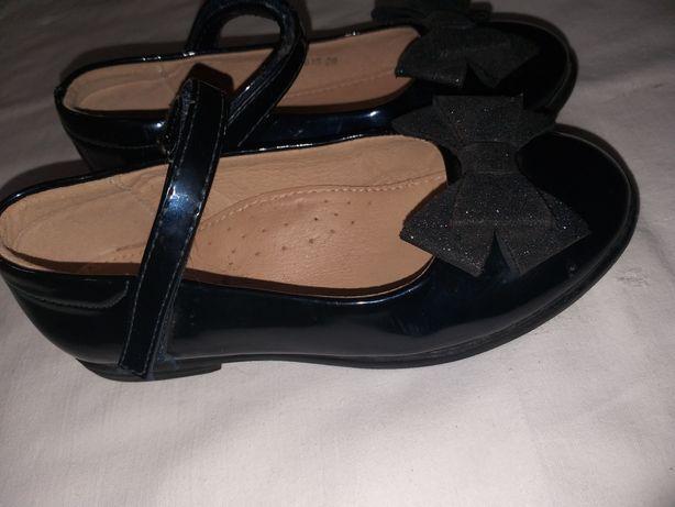 Туфли  для девочки 28 р