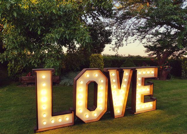 Pilnie sprzedam napis LOVE + Skrzynia gratis