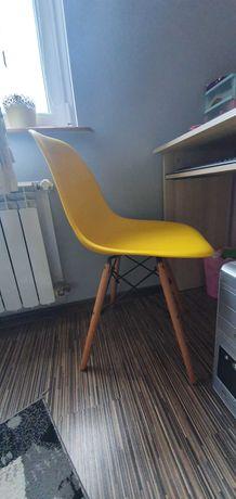 Krzesełko żółte młodzieżowe salon biurko