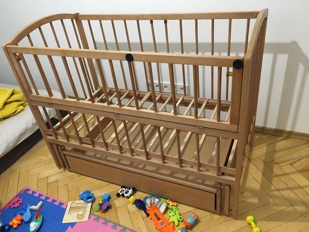 Детская кроватка с качалкой-маятником и ящиком