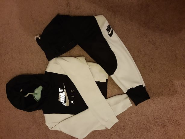 Zestaw bluza z dresami Nike