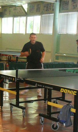 Тренер (учитель) / спарингпартнер з настільного тенісу