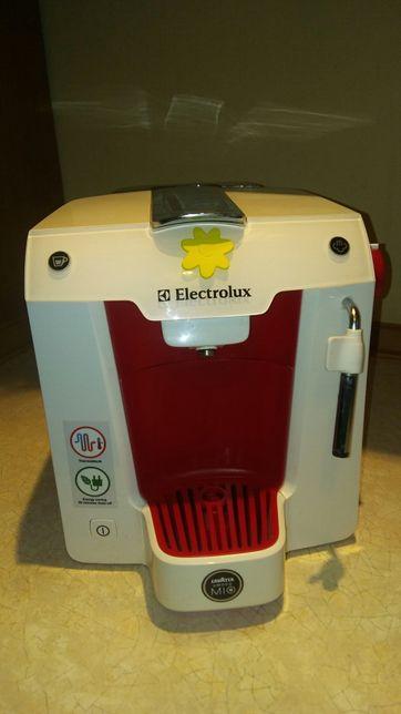 Ekspress do kawy Electrolux Lavazza Amodo Mio