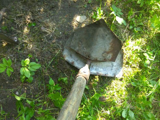 Przedwojenne narzędzia rolnicze motyki równiarka stare antyk