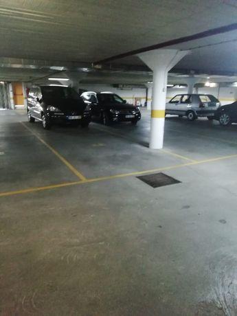 Vende-se lugar de garagem colectiva em Santarém